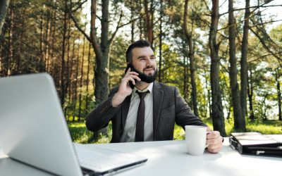 Office in Your Pocket: 5 Ways a Business Cell Phone Offers Convenience